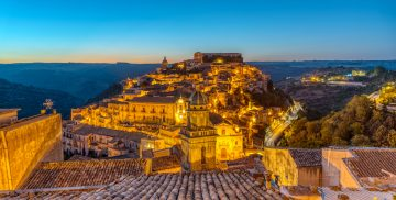 sunrise-at-ragusa-ibla-in-sicily-UBDS3GH